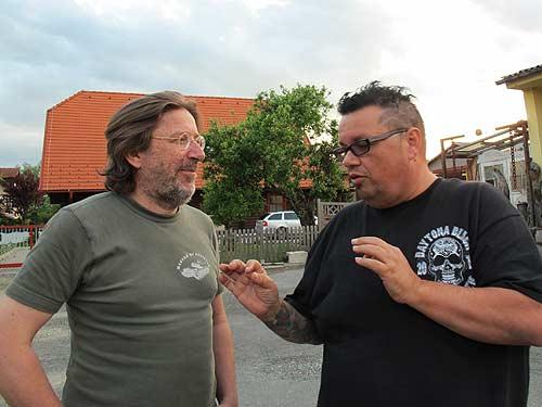 Medienfachmann Heimo Müller (links) und Handwerker Roman Hold