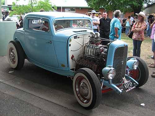 1932er Ford Model B mit Flathead V8-Motor und Kompressor. (Foto: CC by Sicnag)
