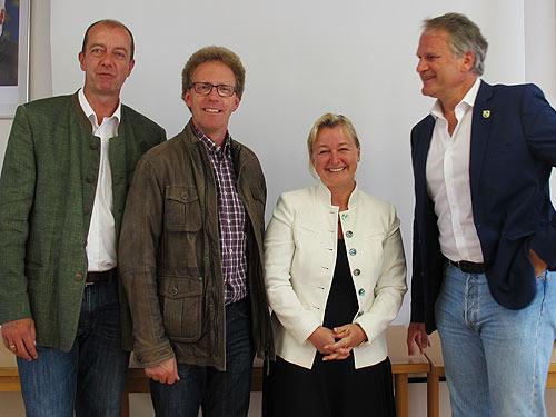 Von links: Robert Schmierdorfer (Albersdorf-Prebuch), Werner Höfler (Hofstätten an der Raab), Iris Absenger-Helmli (Leader-Region) und Peter Moser (Ludersorf-Wilfersdorf)