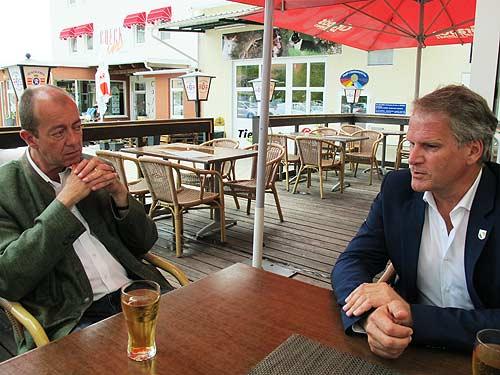 Bürgermeister Robert Schmierdorfer (rechts) und Peter Moser