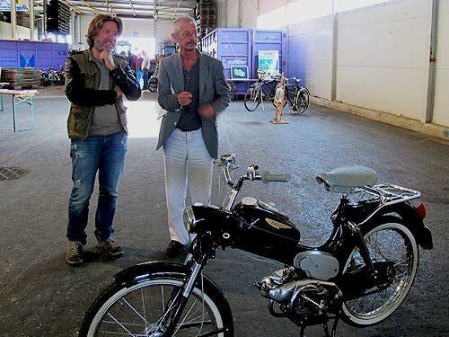 Links Heimo Müllr (Blogmobil) und neben ihm Grpahic Novelist Chris Scheuer
